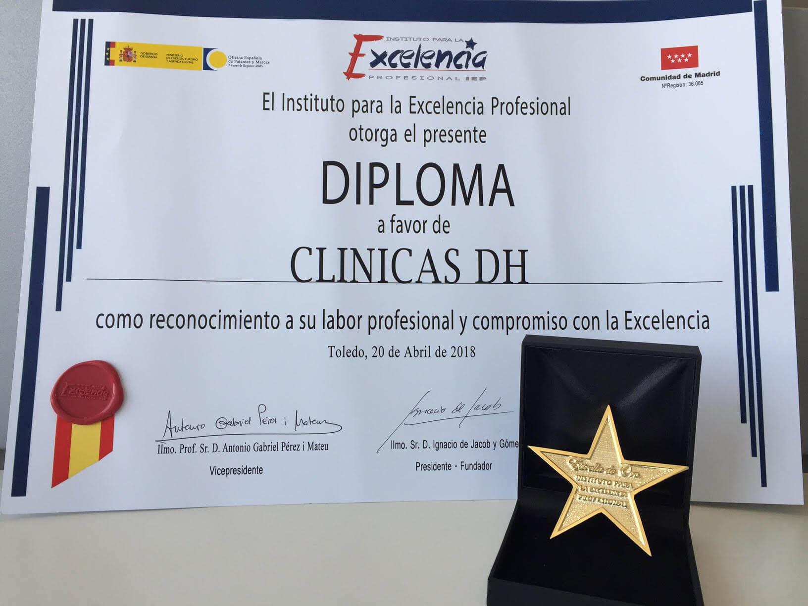 Clínicas DH recibe galardón Estrella de Oro